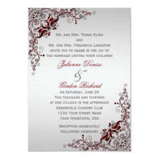 Casamentos florais vermelhos escuro e de prata convite 12.7 x 17.78cm