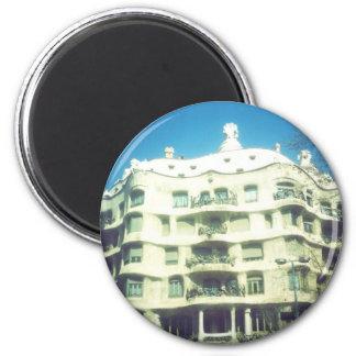 Casas Mila por Antoni Gaudi Ímã Redondo 5.08cm