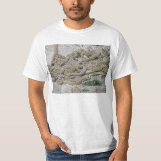Cascavéis por um antro camisetas