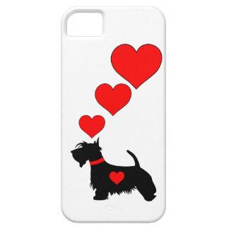 Caso de Iphone 5 do cão do Scottie com corações Capa iPhone 5