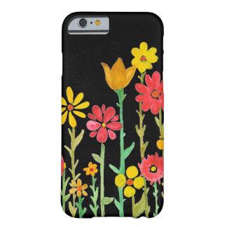 Caso retro do iPhone 5 do preto da flor por Capa Barely There Para iPhone 5
