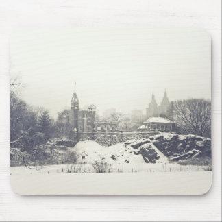 Castelo do Belvedere no inverno no Central Park Mousepad