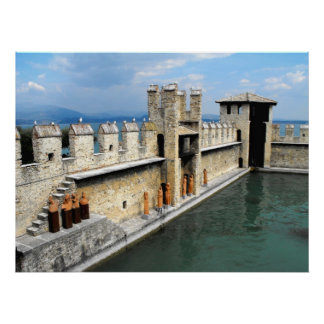 Castelo em Sirmione, lago Garda, Italia Pôsteres