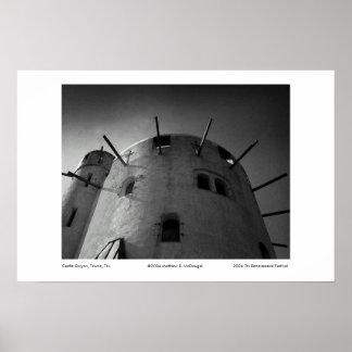 Castelo Gwynn Poster