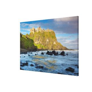 Castelo litoral de Dunluce, Ireland Impressão Em Tela