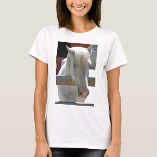 Cavalo branco do jardim zoológico t-shirt