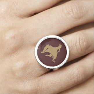 Cavalo Bucking do ouro de Brown Anéis Com Imagens