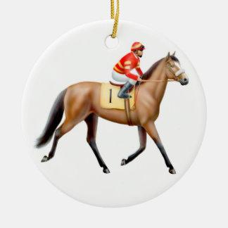 Cavalo de corrida que trota ao ornamento do cargo