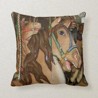 Cavalo de madeira almofada