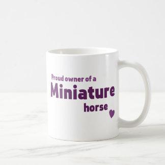Cavalo diminuto caneca de café