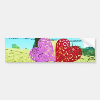 Cavalo louro e corações cor-de-rosa e vermelhos adesivo para carro