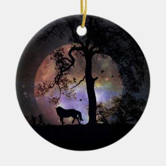 Cavalo Prancing nos enfeites de natal da lua