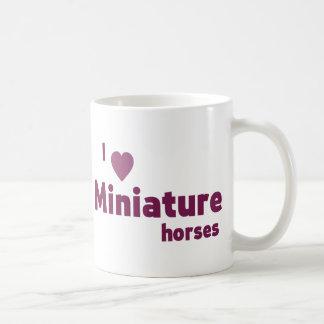 Cavalos diminutos caneca de café