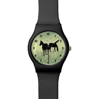 Cavalos no campo relógios de pulso