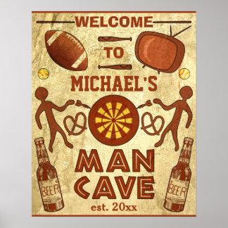 Caverna engraçada do homem com seu costume poster