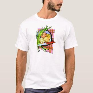 Cebolas e batatas cortadas t-shirts