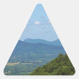 Cena da montanha adesivo triangular