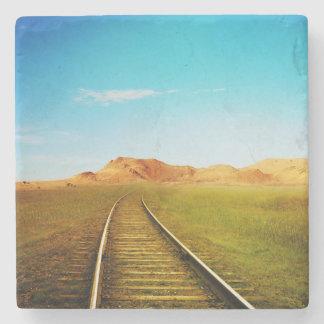 Cenário railway da natureza do trem porta copos de pedras