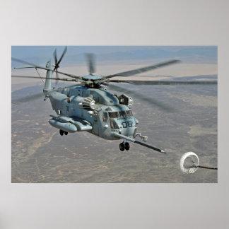 CH-53E no poster da missão do reabastecimento