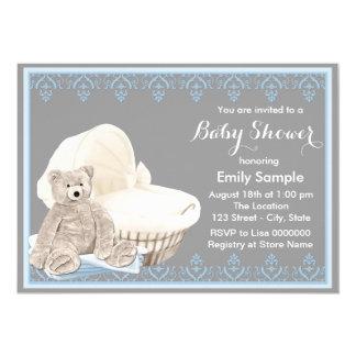 Chá de fraldas cinzento e azul do urso de ursinho convite 12.7 x 17.78cm