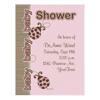 Chá de fraldas do cartão do joaninha no rosa cartão postal