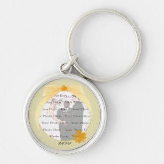 Chaveiro de prata redondo da foto da flor amarela