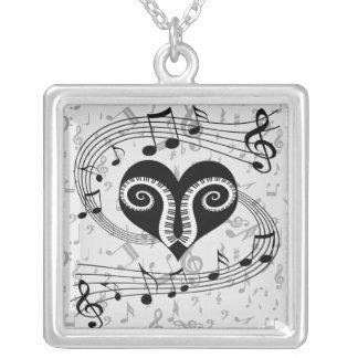 Chaves do coração e do piano das notas musicais colar com pendente quadrado
