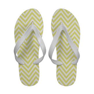 Chinelos brancos amarelos das tangas do ziguezague