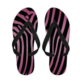 Chinelos cor-de-rosa e pretos femininos do impress