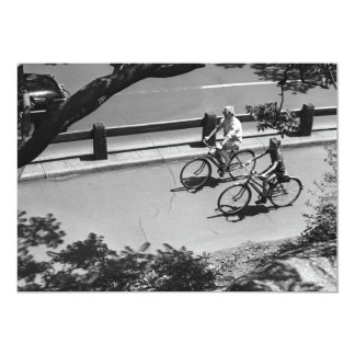 Ciclismo do homem e do menino convite 12.7 x 17.78cm