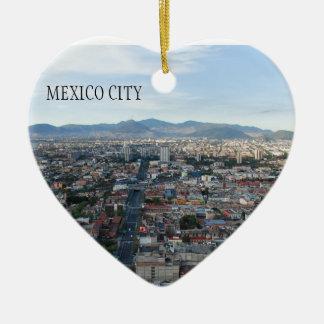 Cidade do México, vista aérea que olha norte Ornamento De Cerâmica Coração
