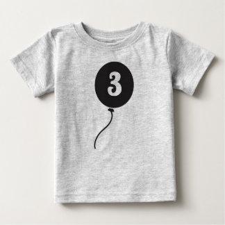 Cinzas da camisa | do aniversário do bebê