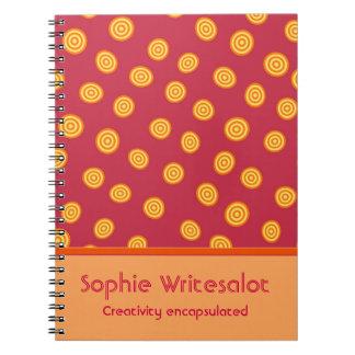 Círculos bonitos personalizados da laranja do cadernos