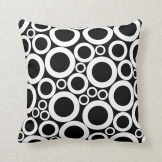círculos brancos no preto travesseiros de decoração