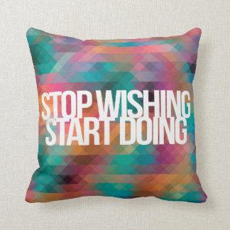 Citações inspiradas e inspiradores travesseiros de decoração