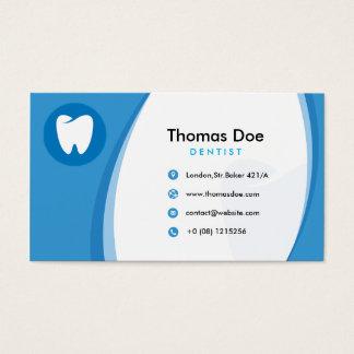 Clínica dental do dentista azul com logotipo do cartão de visita