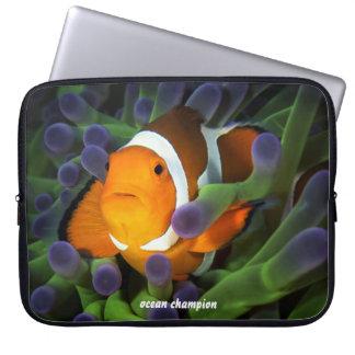 Clownfish solitário capas de computadores notebooks