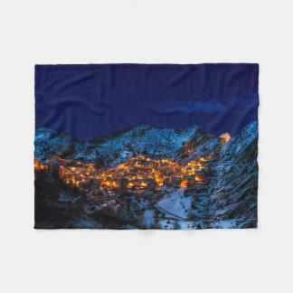 Cobertor De Velo Castelmezzano, Italia - noite nevado do inverno