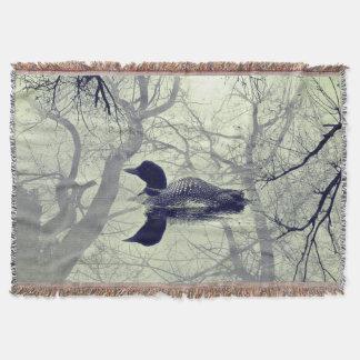 Cobertor Mergulhão-do-norte preto e branco em um lance do
