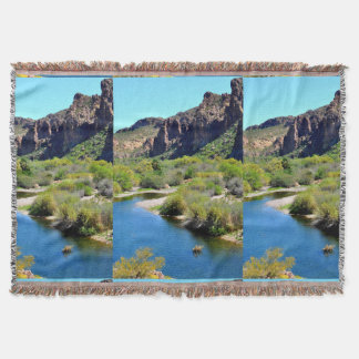 Cobertura do lance da paisagem do lago Saguaro Coberta