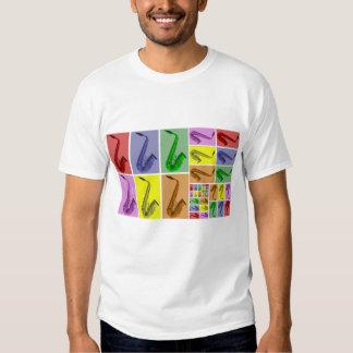 Colagem do teste padrão colorido dos saxofones camisetas