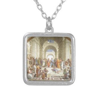 Colar Banhado A Prata A escola de Raphael de Atenas
