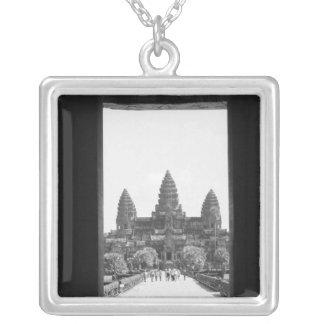 Colar Banhado A Prata Angkor opinião 2 da entrada de Cambodia, Angkor
