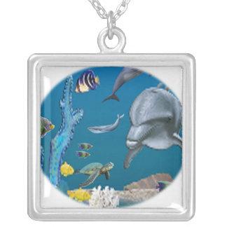 Colar Banhado A Prata Arte do golfinho