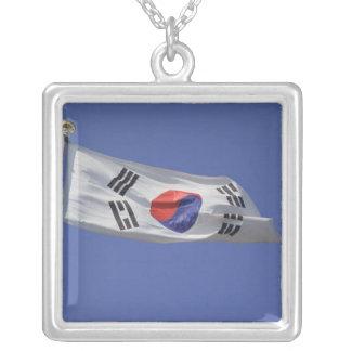 Colar Banhado A Prata Bandeira coreana sul