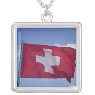 Colar Banhado A Prata Bandeira suíça RF)