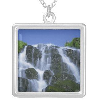 Colar Banhado A Prata Cachoeira, Portree, ilha de Skye, montanhas,