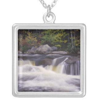 Colar Banhado A Prata Cachoeiras, estrada de Kancamagus, branca