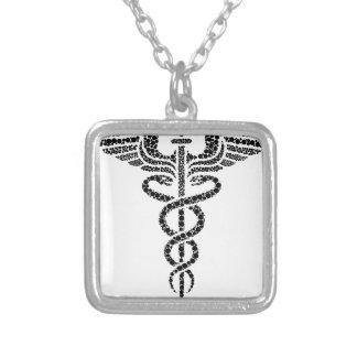 Colar Banhado A Prata Caduceus - símbolo médico feito de pilhas do