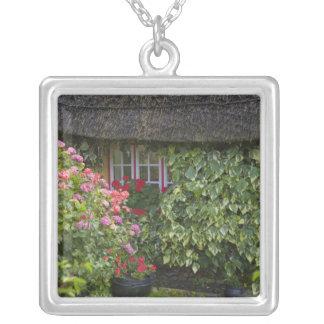 Colar Banhado A Prata Casa de campo Thatched, Adare, quintilha jocosa do